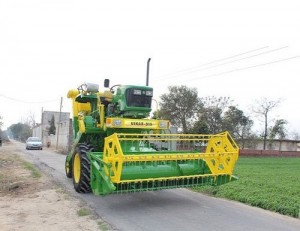 8 Feet Cutter Tractor Mounted Combine Harvester