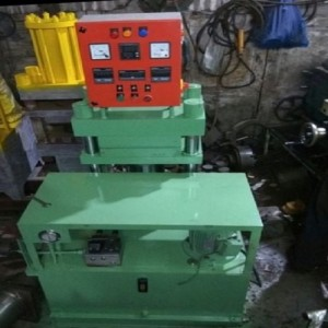 Solid Tyre Moulding Press